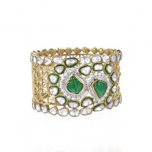 Mughal Dynasty Era Uncut Diamond Gold Bangle BAERBVA002