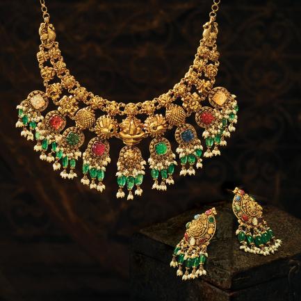 Divine Gold Necklace Set NSUSDVATQ20NK01