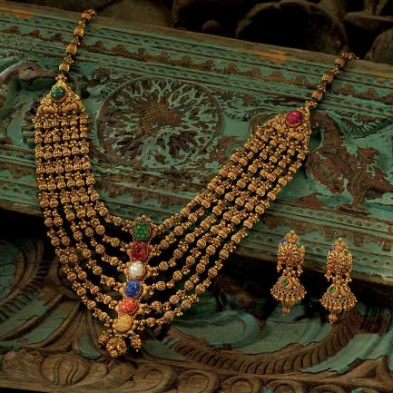 Divine Gold Necklace Set NSUSDVHRT20NK04
